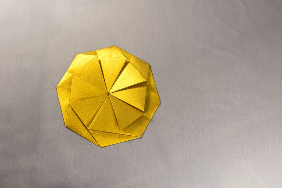 Caixa Kushiro daurat petit