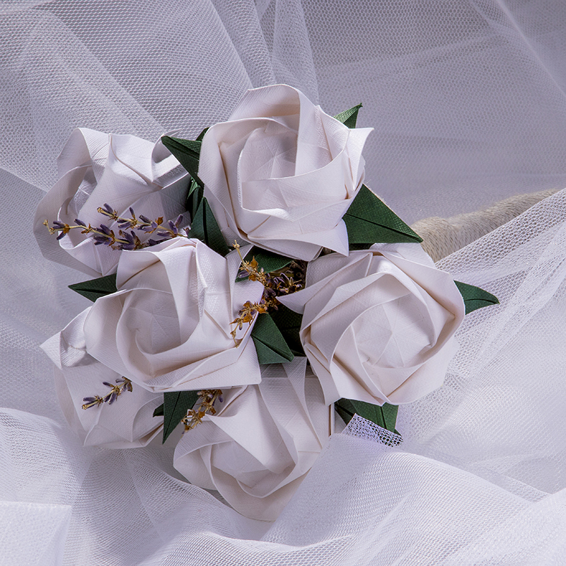 Ram de núvia Miyazaki blanc